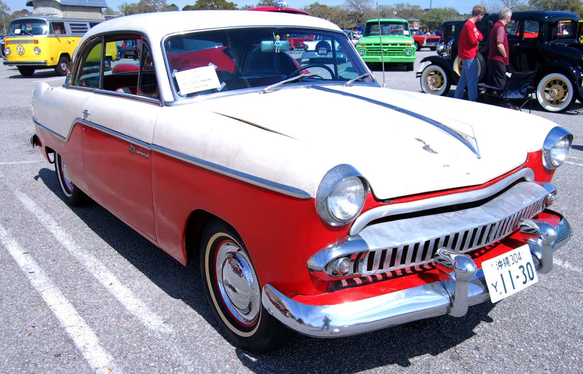 Antique auto group lures scores of decades-old vehicles to monthly ...