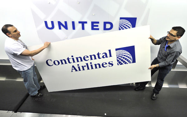 Grapevine: United, Continental merge kiosks