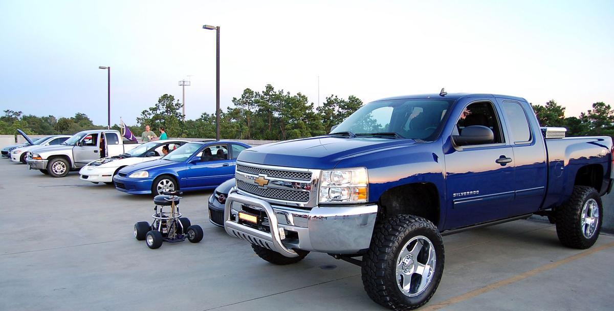 Tuner, gearhead millennials converge on Summerville parking garage for Sunday evening cruise-ins