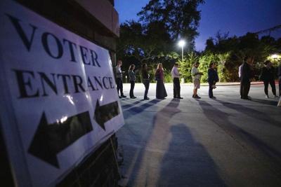 LP 110618 Voting_005.JPG (copy) (copy)