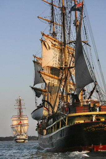 Tall ships end festival, set sail with Spirit