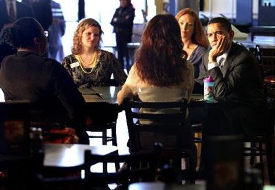Obama speaks with four women at Jason's Deli