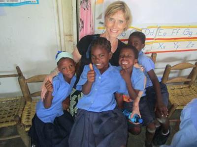Art mission helps Haitians heal through creative arts
