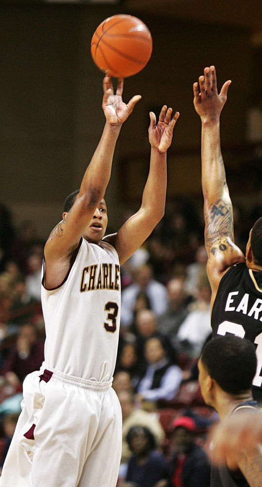 College of Charleston beats Chattanooga with 3's