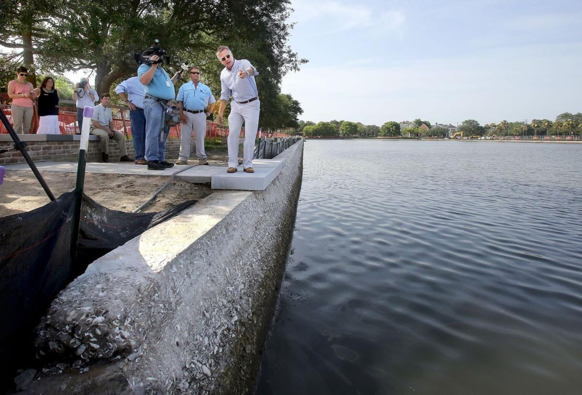For Colonial Lake, a renovation in mid-stream