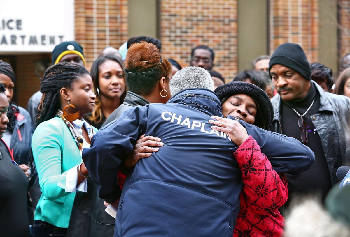Death toll mounts as lawmakers debate