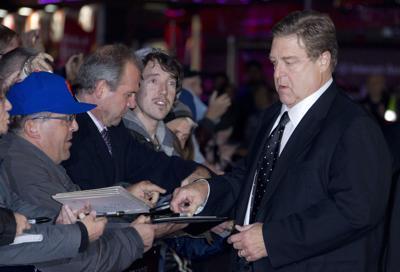 'Argo' battles way to top of box office