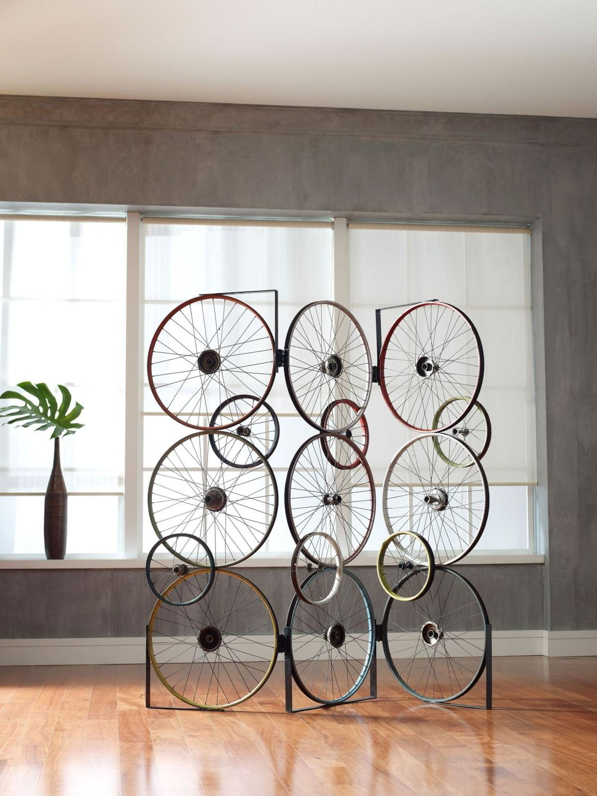 Recycling bicycle parts propels home decor