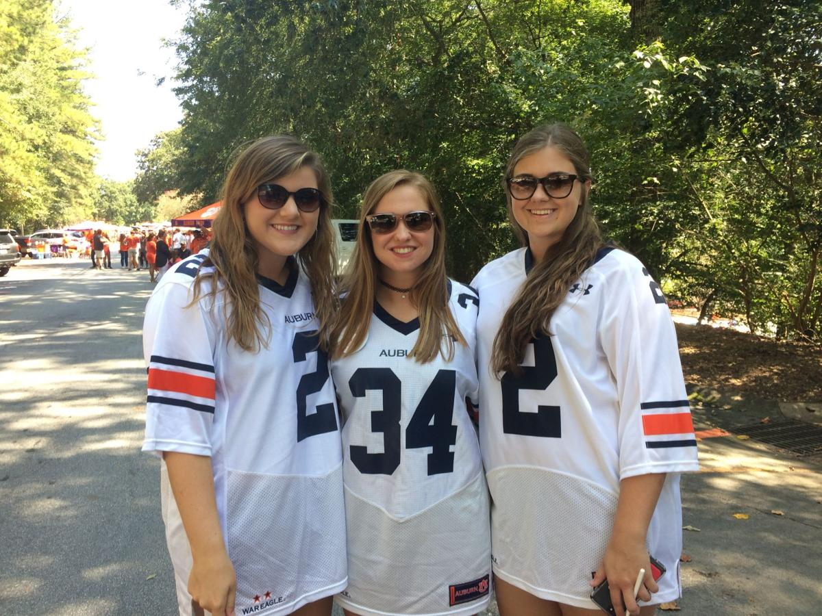 Auburn students travel to Clemson