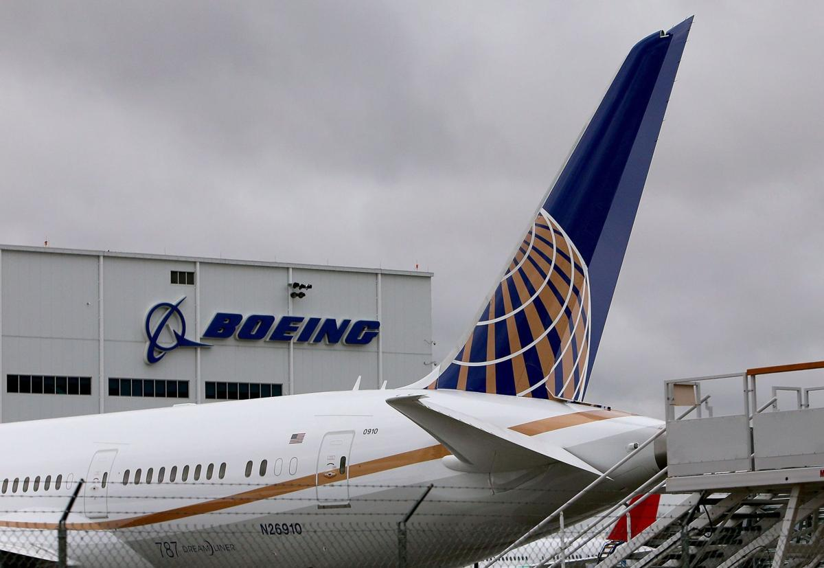 Dreamliner production on track to meet 2014 goal