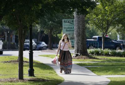 Rivera apt sidewalk.jpg (copy)