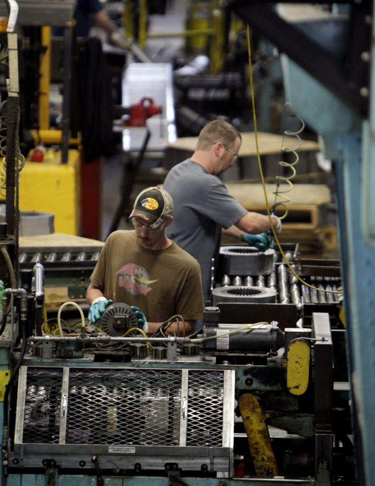 US economy shrank at 1 percent rate in first quarter