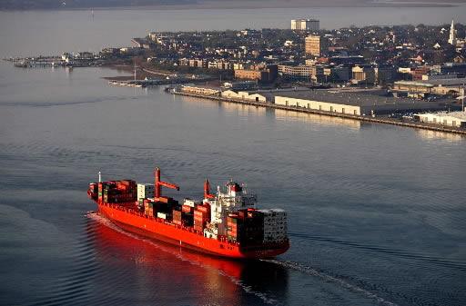 Report details port pollution