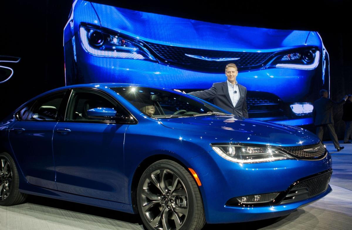 Chrysler targets top midsize cars with new 200
