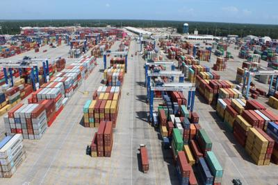 Cargo containers at Wando Welch