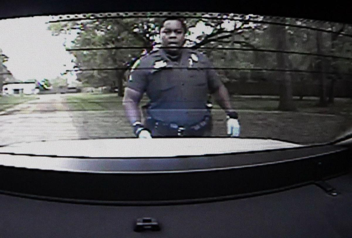 Deputy reported that North Charleston officers did CPR on Walter Scott