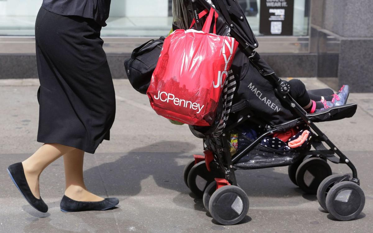 Problems pile up for retailers