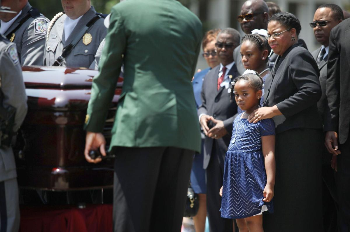 Sen. Pinckney's funeral will be open to public; road closures announced