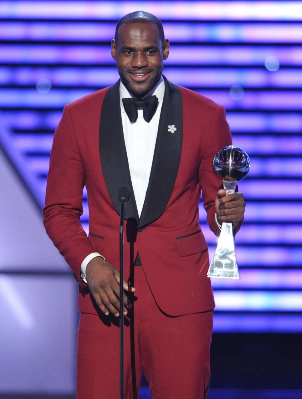 LeBron, Starz joins forces for sitcom