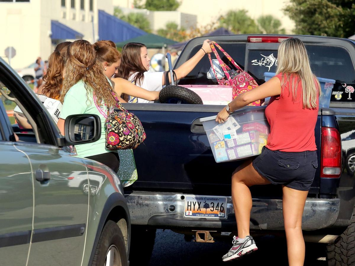 Charleston Southern Move In Day