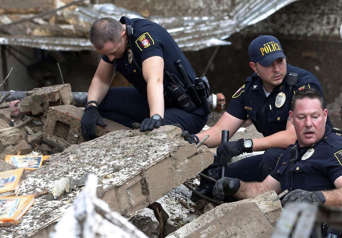 Oklahoma Tornado-Photographer, Sue Ogrocki, describes destroyed Moore, Oklahoma school