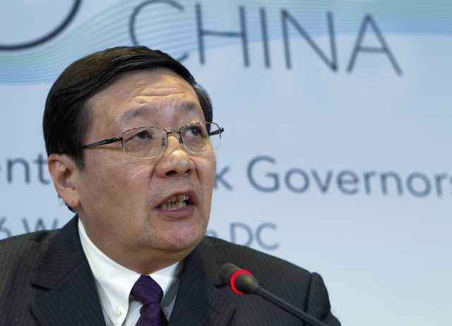 Top finance officials: World economy still faces threats