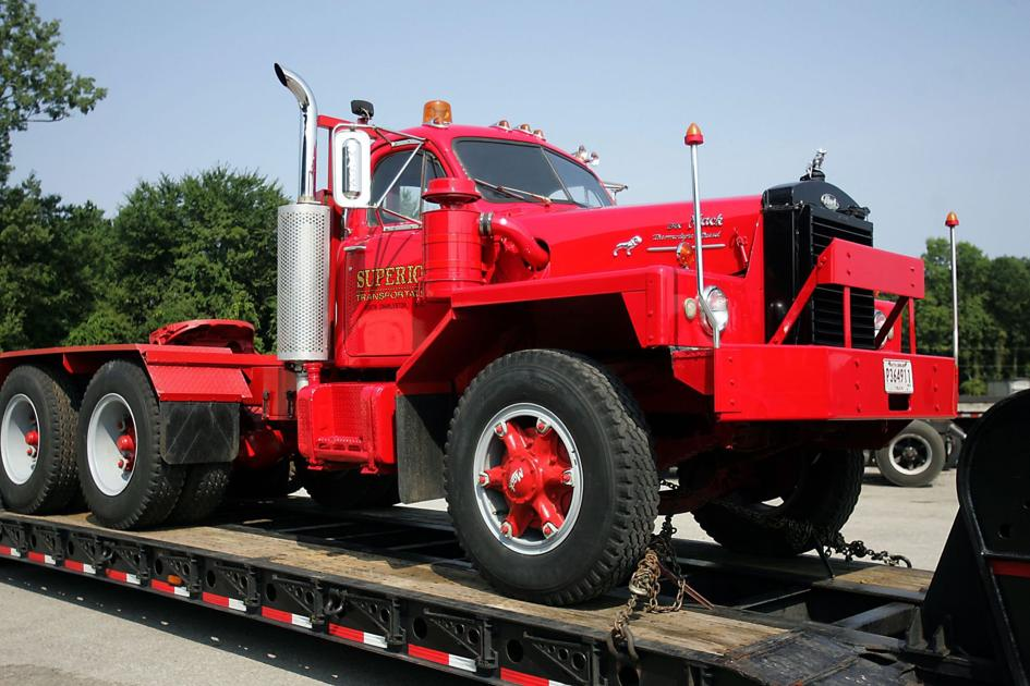 Vintage early 1960s Mack truck gets ride of its own to