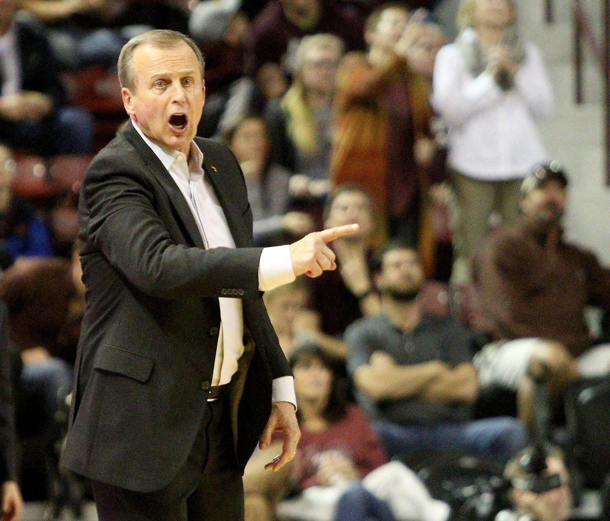 Barnes back in South Carolina, this time as Tennessee coach