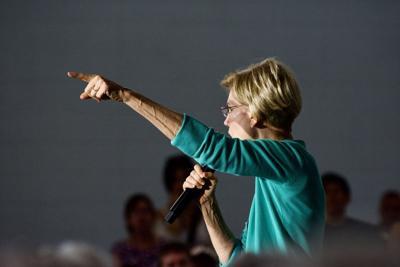 Elizabeth Warren, USCA, Pointing