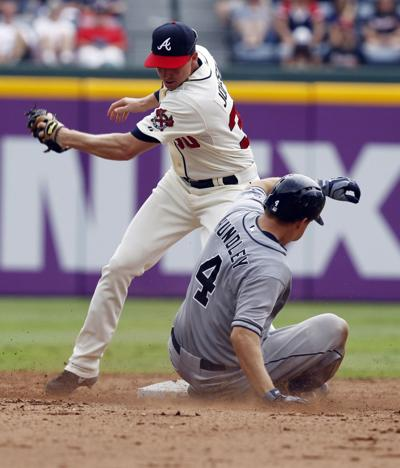 Braves' offense flat in loss to Padres