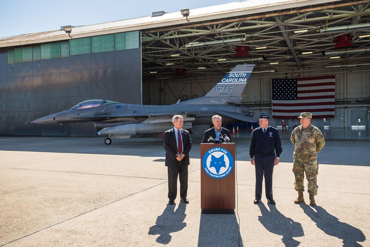 10c6070c5086 Lindsey Graham pitches Trump on F-35s during visit to South Carolina s  McEntire Air Guard Base