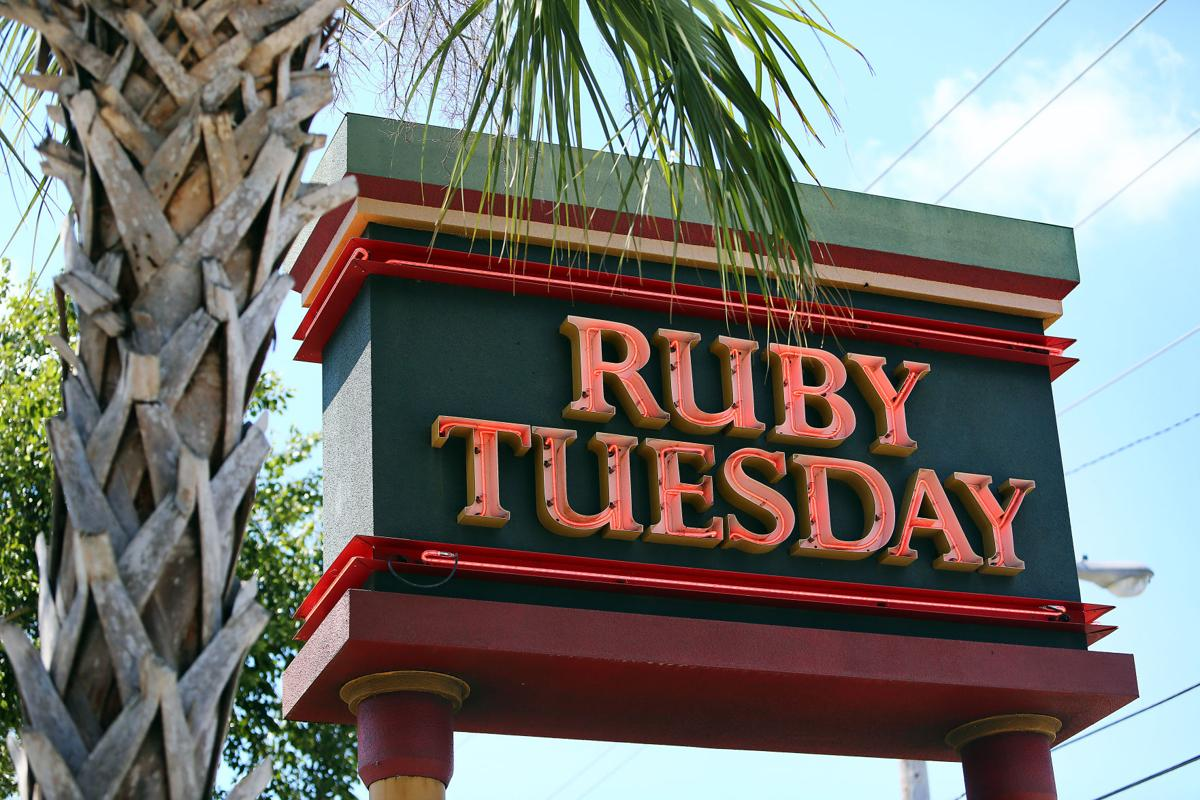 ruby tuesday casual restaurant.jpg (copy)