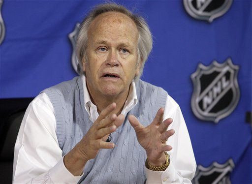 AP Source: NBC Sports chief Dick Ebersol resigns