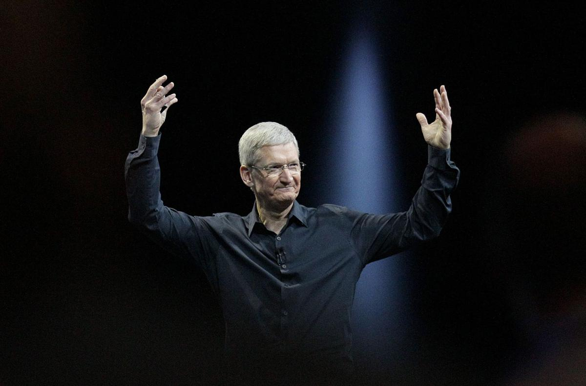 Apple's stock bounces back to hit a new high