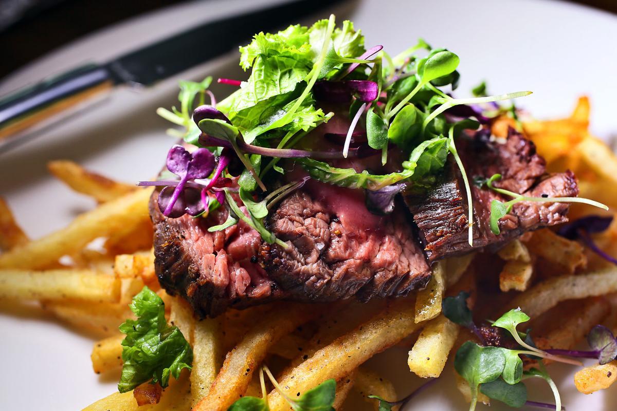 petit steak bar felix food.jpg