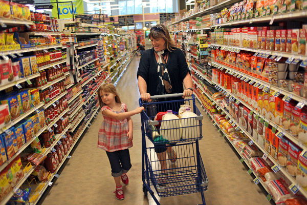 North Carolina grocery chain cuts prices, makes over stores: Food Lion trying pilot program to set itself apart from the competition