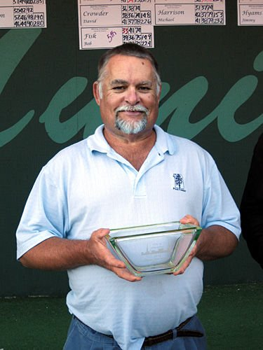 Hall sails to City Senior golf crown