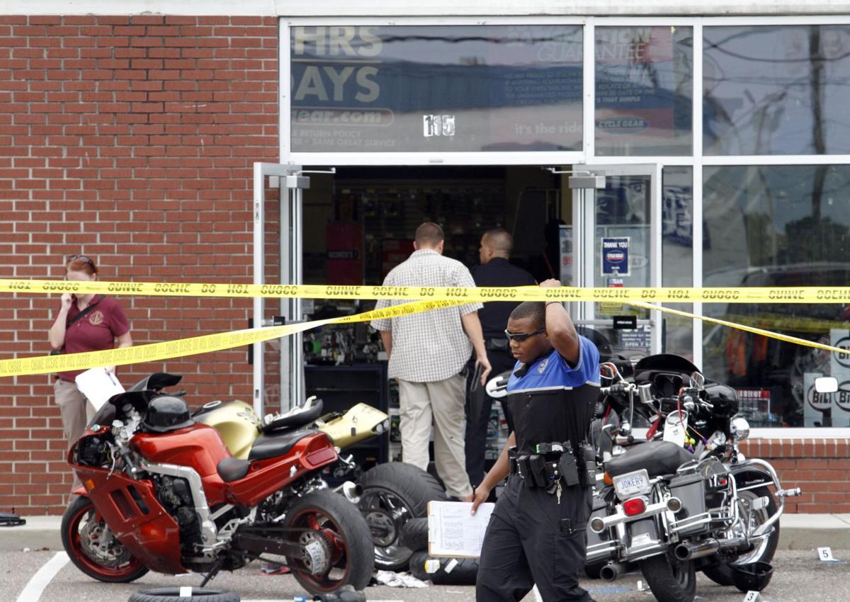 3 dead in bike shop shooting