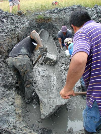 Archaeologists dig up ancient canoe off Daufuskie