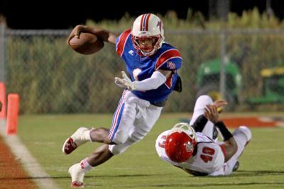 Fort Dorchester's Garrett becoming dual-threat quarterback