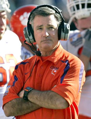 Bowden to stay at Clemson