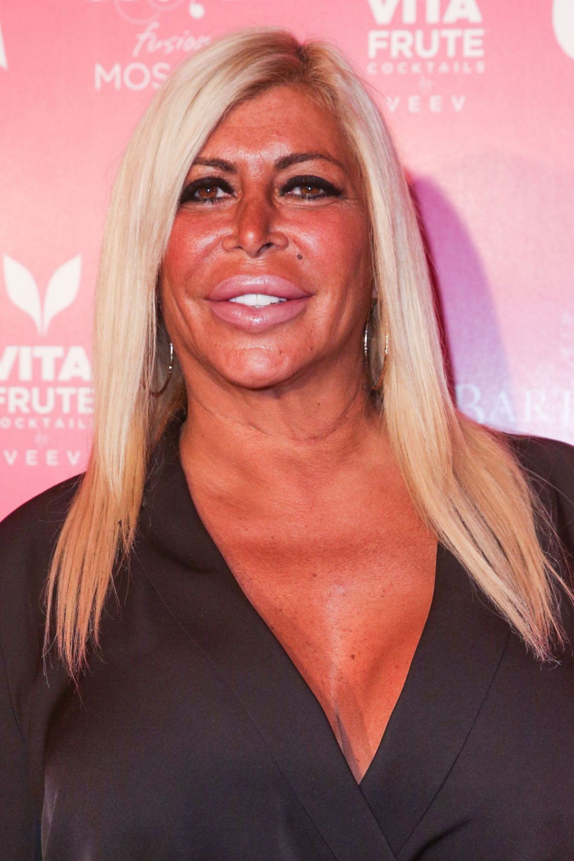 Reality star 'Big Ang' faces cancer with hope, family