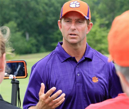 Now it's the defense's turn to command Clemson headlines