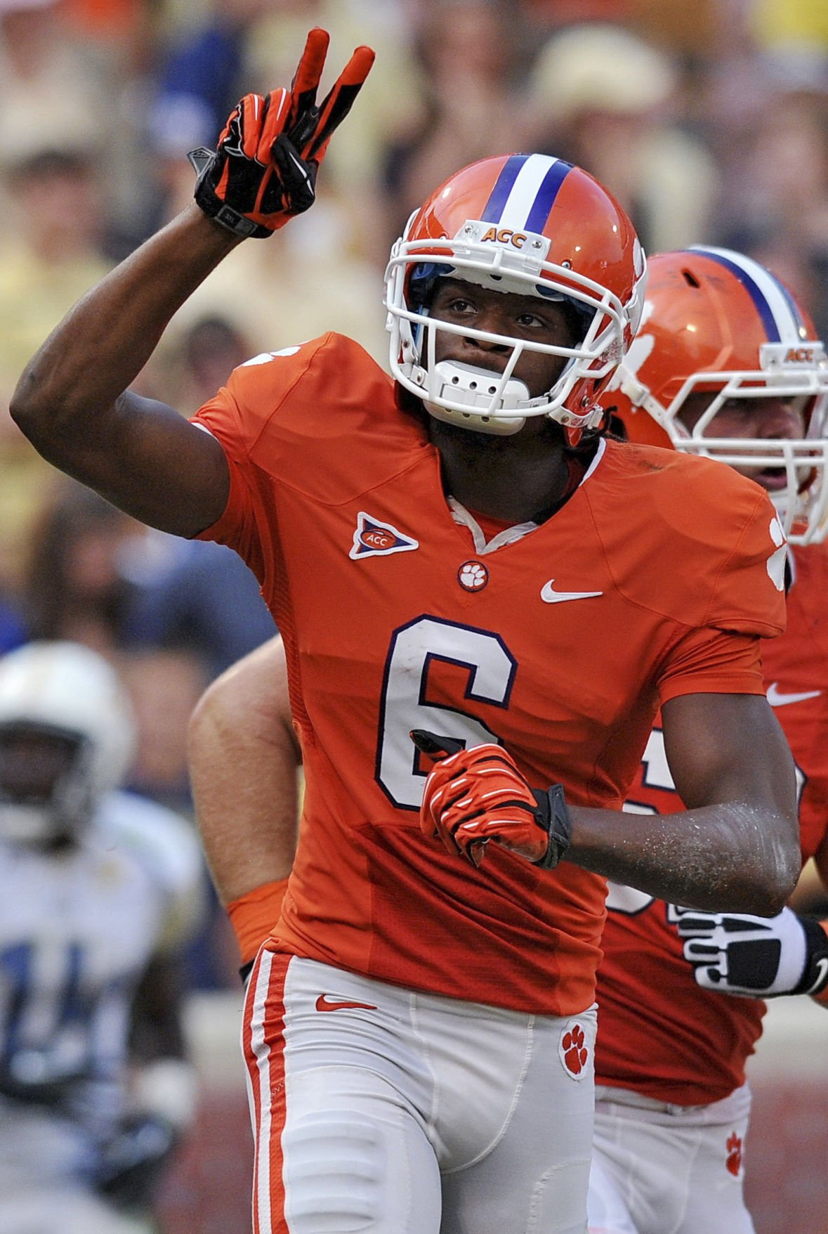 Clemson set up for a surge in second half