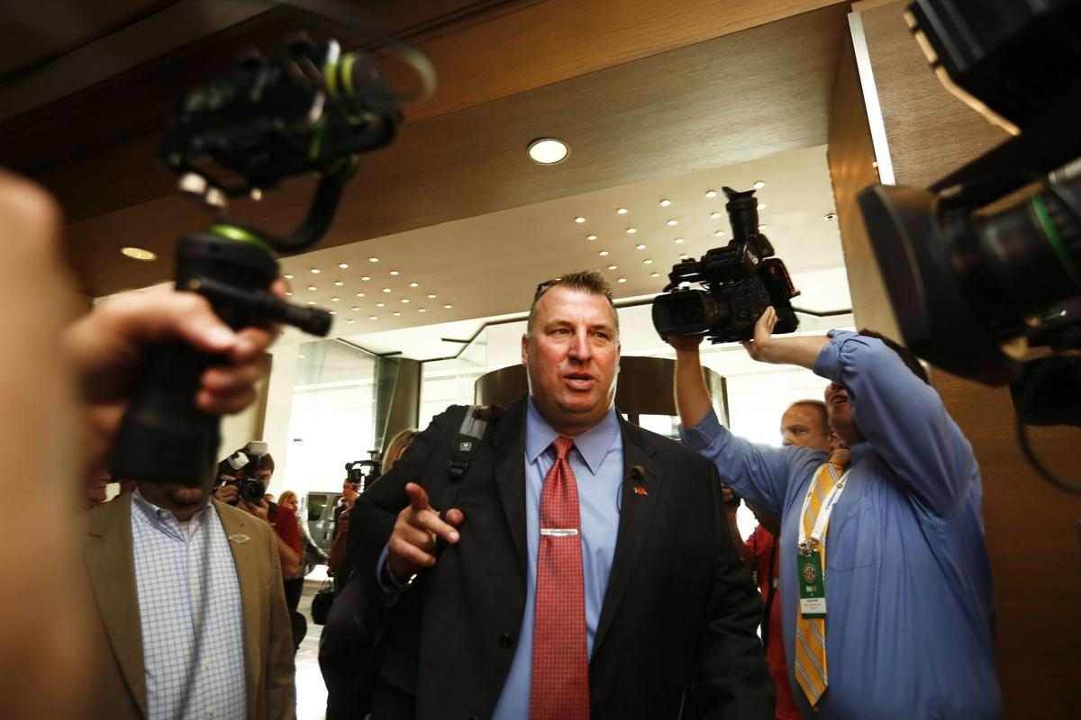 Spur of the Moment: Arkansas' Bielema fills void in SEC Media Days missing Spurrier more and more