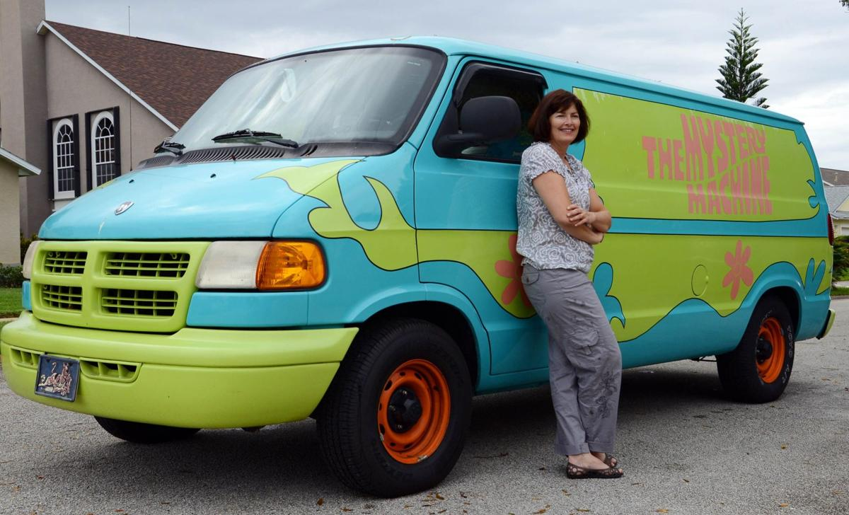 No Mystery Why Fans Love Woman S Scooby Doo Van