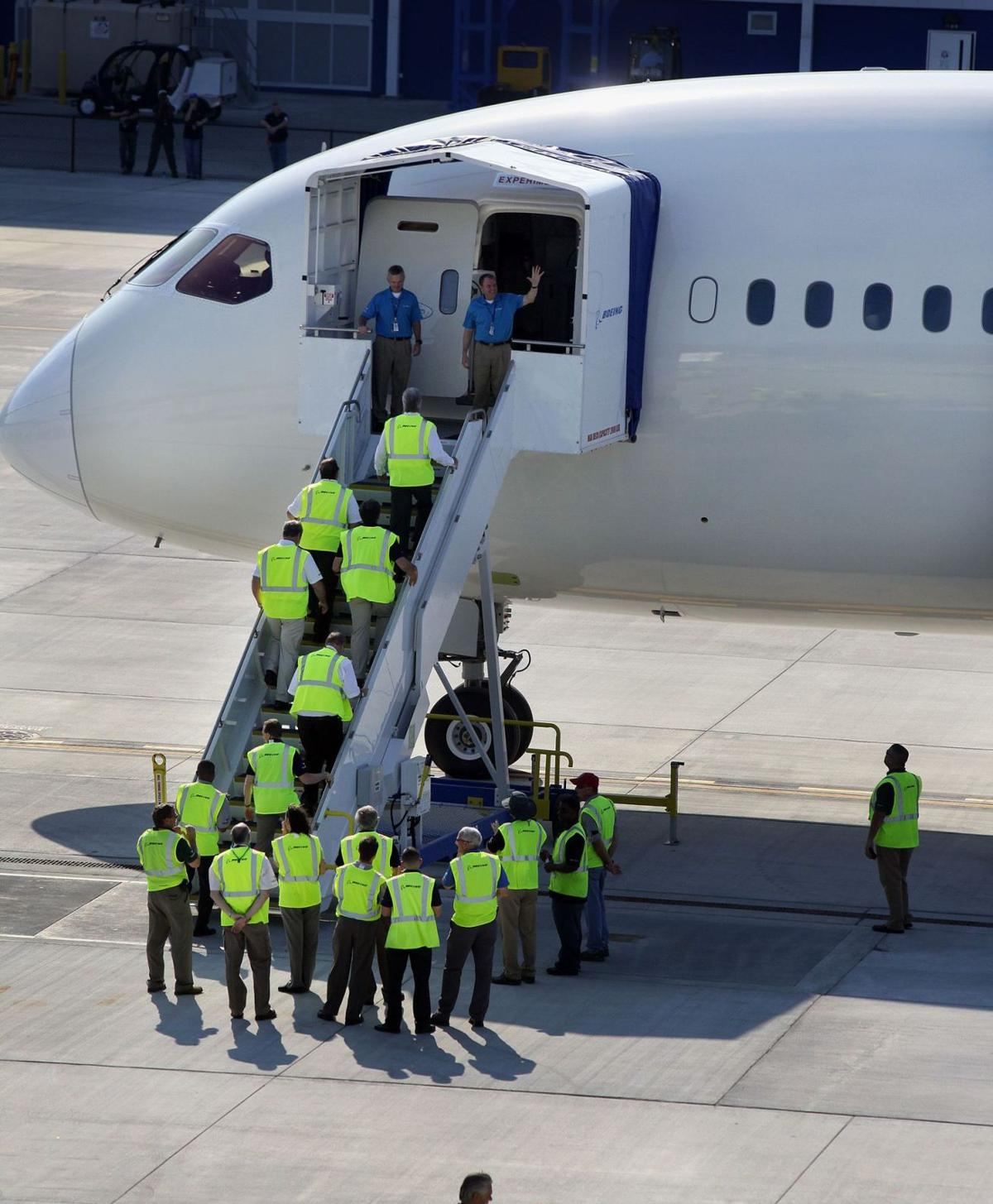 It flies!Boeing pilots praise 1st S.C. Dreamliner