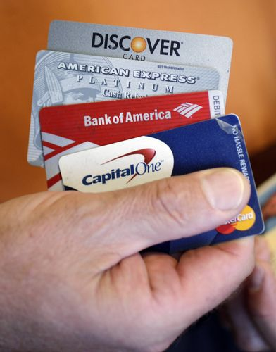 Experts give advice on paying off credit cards