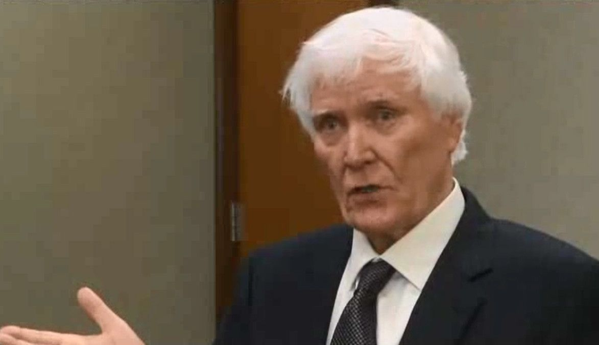 West Columbia mayor sues officials for defamation