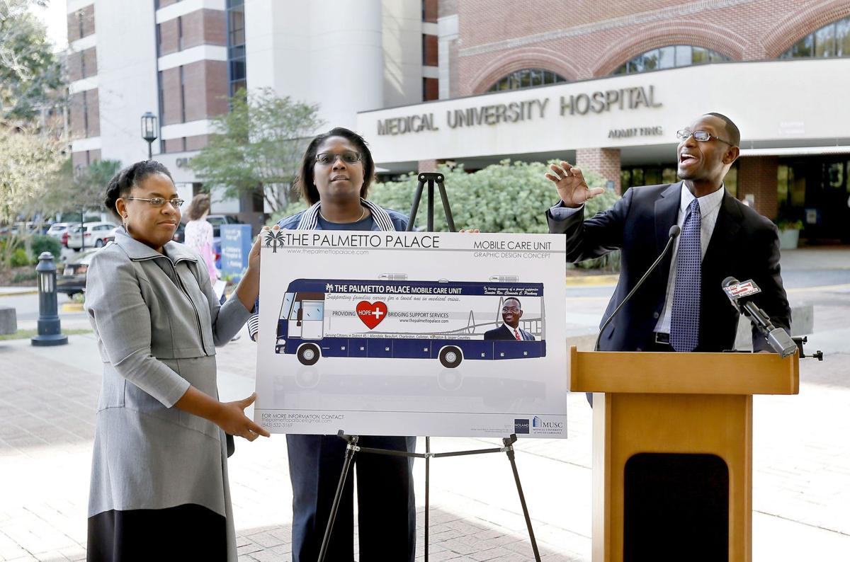 Nonprofit unveils plan to build health care bus in Sen. Pinckney's name